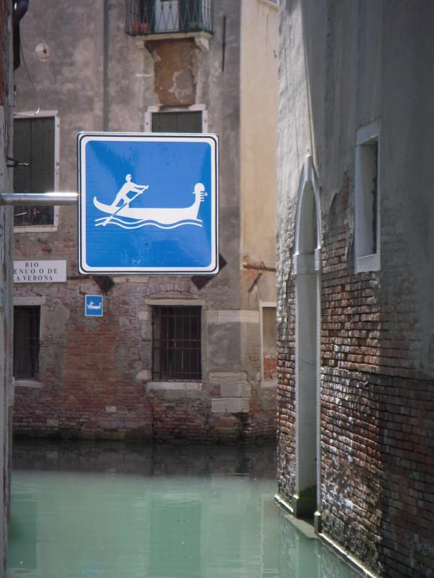 Gondola_sign_Venice_03